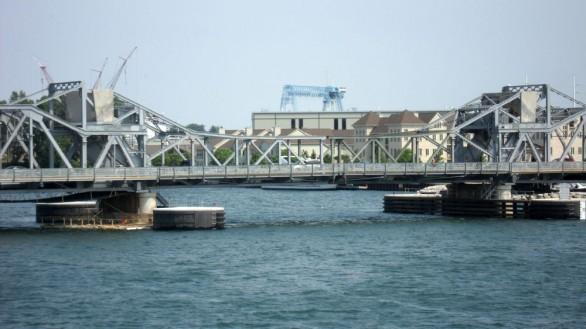 michigan street bridge - sturgeon bay